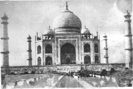 Taj Mahal Photo - Front view